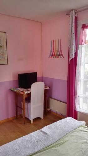 Le Calme De la Campagne au Sud de Paris : Guest accommodation near Laval-en-Brie