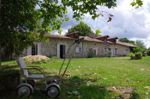 La maison Forte : Guest accommodation near Saint-Estèphe