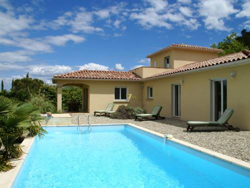 Villa - Les Vans : Guest accommodation near Les Salelles