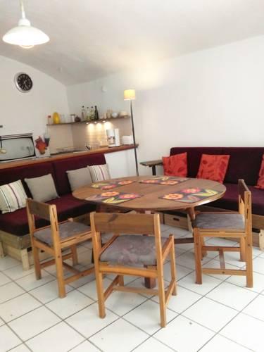 Gite Alba La Romaine : Guest accommodation near Sceautres