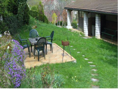 Holiday home 13 Chemin de la Varine : Guest accommodation near Saint-Laurent-la-Roche