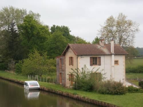Apartment Le Bas de Bouis : Apartment near Le Bouchaud