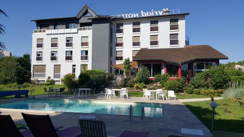 Kyriad Bourg En Bresse : Hotel near Saint-Étienne-du-Bois