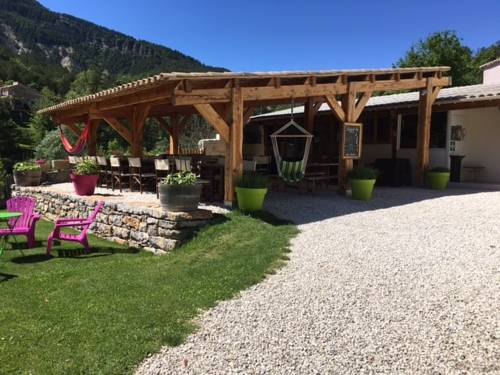 Camping Calme et Nature : Guest accommodation near Blieux
