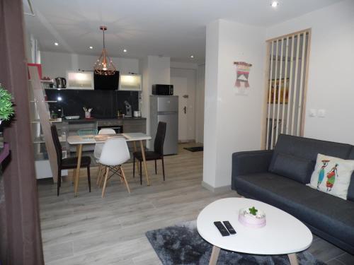 Appartement de charmes : Hotel near Pays de la Loire