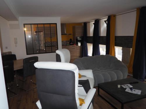 Home Voltaire : Hotel near Pays de la Loire
