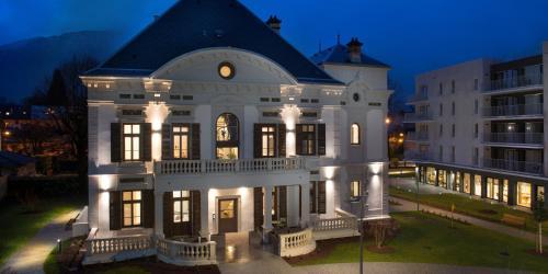 Domitys Le Parc de Jade : Hotel near Savoie