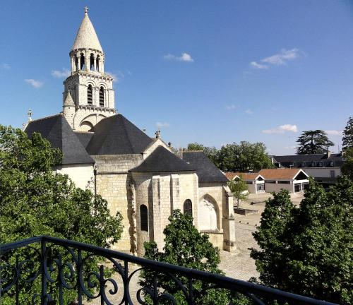 Les Appartements Notre Dame : Hotel near Poitou-Charentes