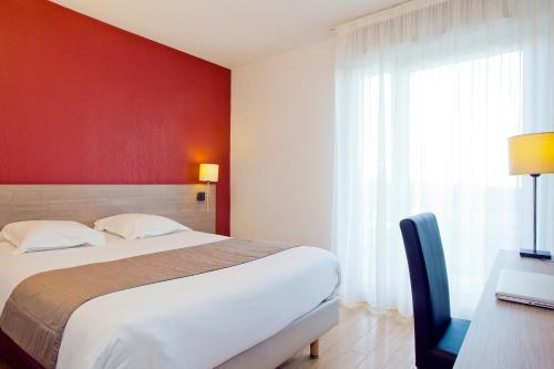 Séjours & Affaires Genève Gex Les Rives Du Léman : Hotel near Ain