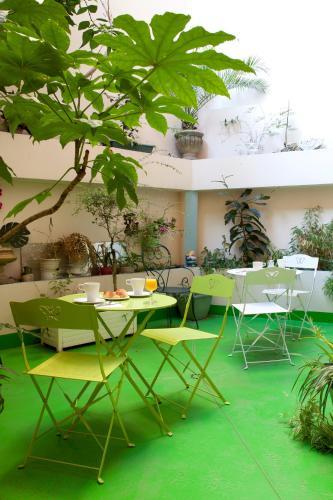 Trianon Grenoble Centre : Hotel near Isère
