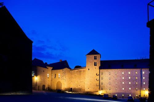 Hôtel Le Château Fort de Sedan : Hotel near Ardennes