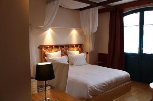 Logis Hôtel Les Pages : Hotel near Meurthe-et-Moselle
