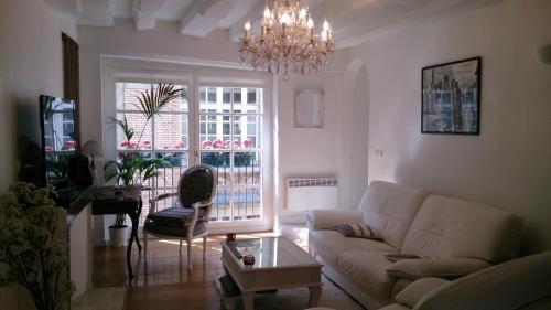 Magnifique Appartement dans Hôtel Particulier Monument Historique : Hotel near Paris