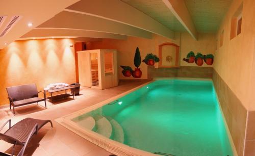 Brit Hotel Bristol Montbéliard Centre : Hotel near Doubs