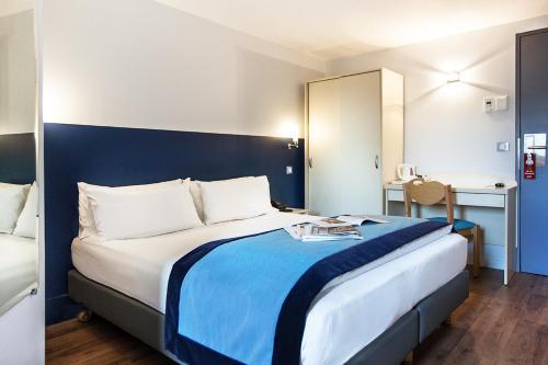 Hôtel l'Amandier : Hotel near Île-de-France