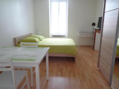 Appartement d'Hôtes : Hotel near Creuse