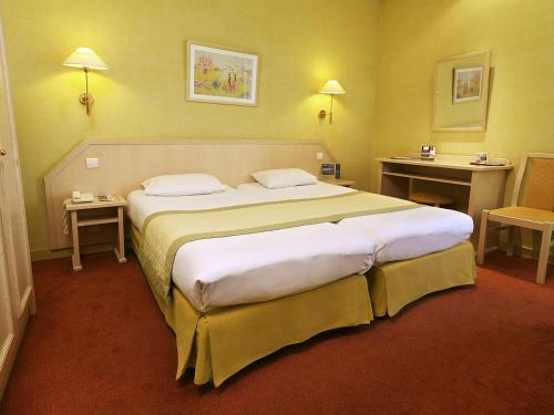 Quality Hotel du Nord Dijon Centre : Hotel near Bourgogne