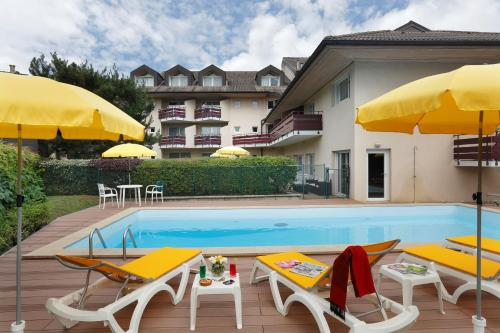 Inter-Hotel Thonon-les-Bains L'Arc-En-Ciel : Hotel near Haute-Savoie