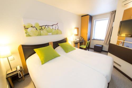 Kyriad Villefranche Sur Saone : Hotel near Rhône