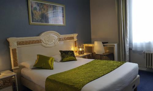 Hôtel De Paris : Hotel near Haute-Normandie
