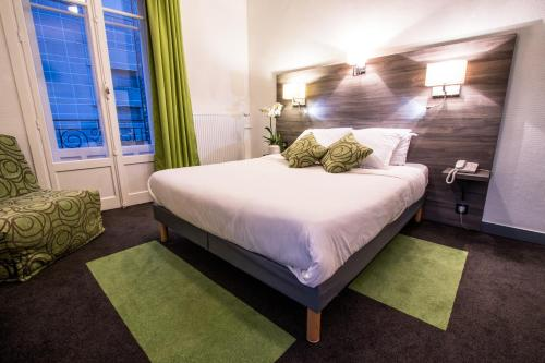 Hotel Actuel Chambéry Centre Gare : Hotel near Savoie