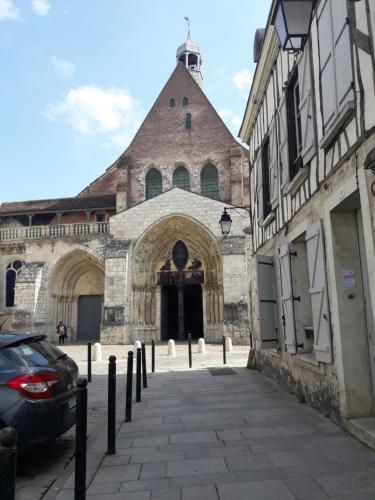 Cathy Blue Lodge : Hotel near Seine-et-Marne