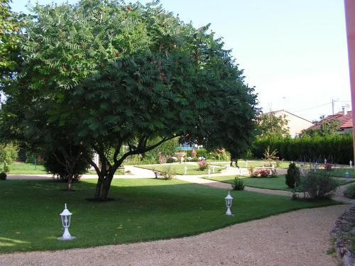 Coté jardin : Hotel near Meuse