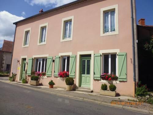 Schenendoa - Maison d'hôtes : Guest accommodation near Menat