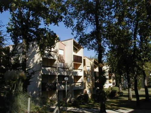 Apartment St georges de didonne studio dans residence boisee proche centre ville : Apartment near Semussac