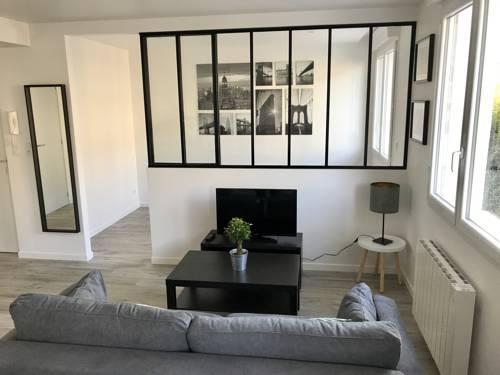 Résidence du Maréchal Leclerc : Guest accommodation near Laval