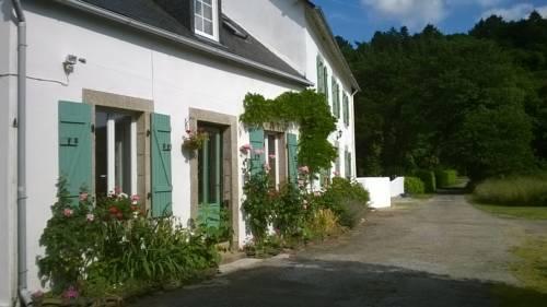 Gîtes Kerneatret : Guest accommodation near Laz