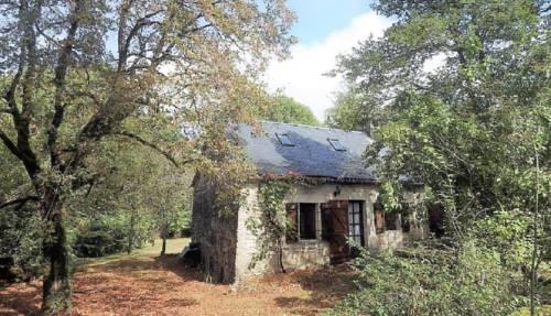 La Chaumière et sa Roulotte : Guest accommodation near Martel