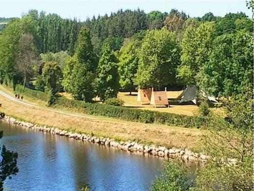 Camping de Rodaven : Guest accommodation near Châteaulin
