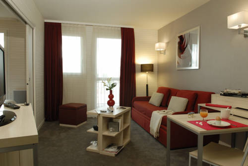 Aparthotel Adagio Paris Montrouge : Guest accommodation near Bagneux