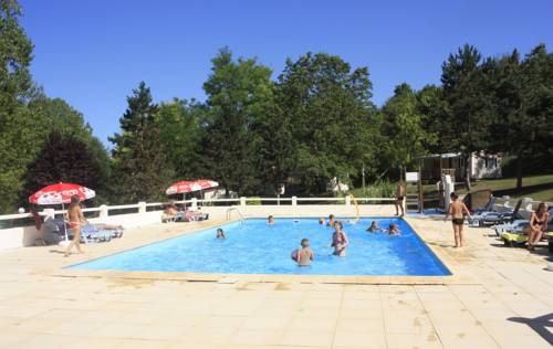 Le Verdoyant : Guest accommodation near Azerat
