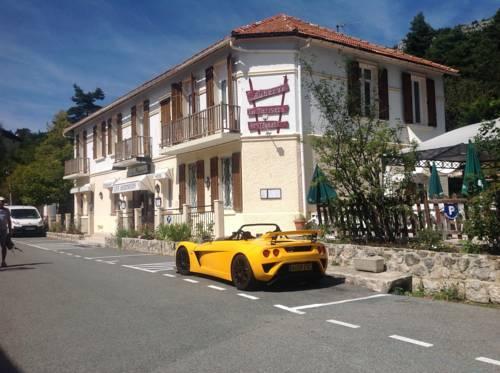 Hôtel Auberge Les Merisiers : Hotel near Saint-Auban