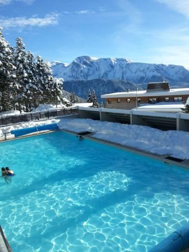 Résidences Les Villages du Bachat by Popinns : Resort near Laffrey
