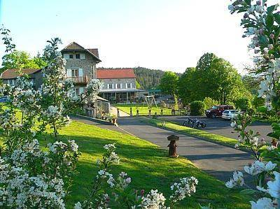 le fort du pre : Hotel near Saint-Julien-Vocance