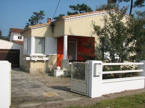 Villa Ronce Les Bains 3 : Guest accommodation near Marennes