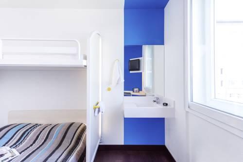 hotelF1 Brétigny sur Orge : Hotel near Sainte-Geneviève-des-Bois