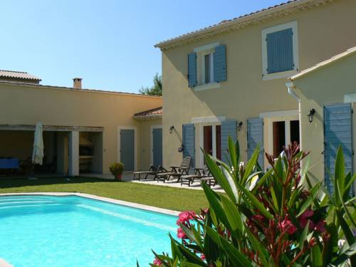Villa Jaune 1 : Guest accommodation near Crestet