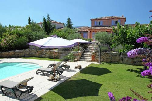 Holiday home Sainte Baume- Pool : Guest accommodation near Rougiers