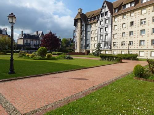 Apartment Castel Guermante : Apartment near Deauville
