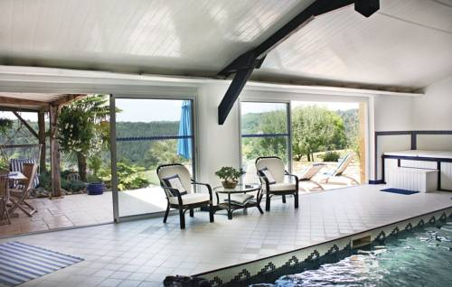 Holiday home Fleurac I-595 : Guest accommodation near Fleurac