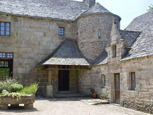Le Manoir De Coatanscour : Guest accommodation near Le Cloître-Saint-Thégonnec