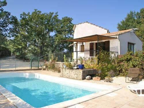 St Brès : Guest accommodation near Meyrannes
