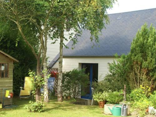 Maison De Vacances - Saint Pair Sur Mer : Guest accommodation near Hudimesnil