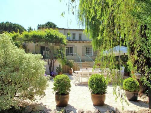 Holiday Home Le Mas Du Vieux Lavoir : Guest accommodation near Saint-Paul-en-Forêt