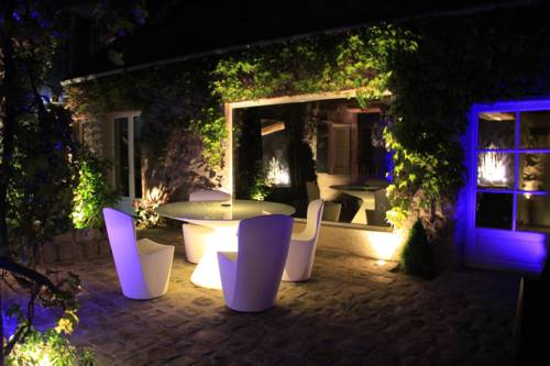 L'Hibernie : Bed and Breakfast near Rochefort-en-Yvelines