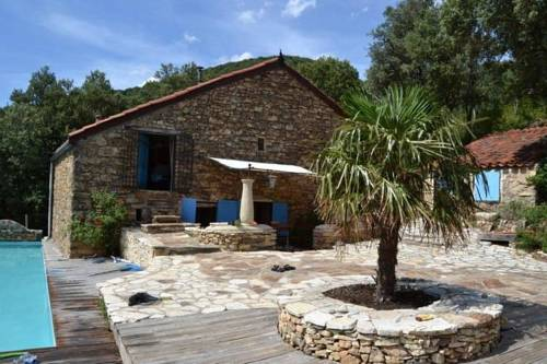 Au Milieu De La Nature Entre Olargues Et Prémian : Guest accommodation near Cambon-et-Salvergues